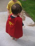 Tutorial e cartamodelli per creare un costume di carnevale per i bambini: mantellina da super eroe