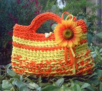 Come fare una borsa di fettuccia per l'estate