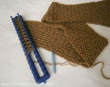 Il mio scaldacollo con il telaio rettangolare e la lana Gomitoli's