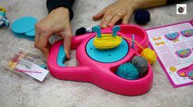 Abbiamo provato: la macchina per fare i pompon e nappine